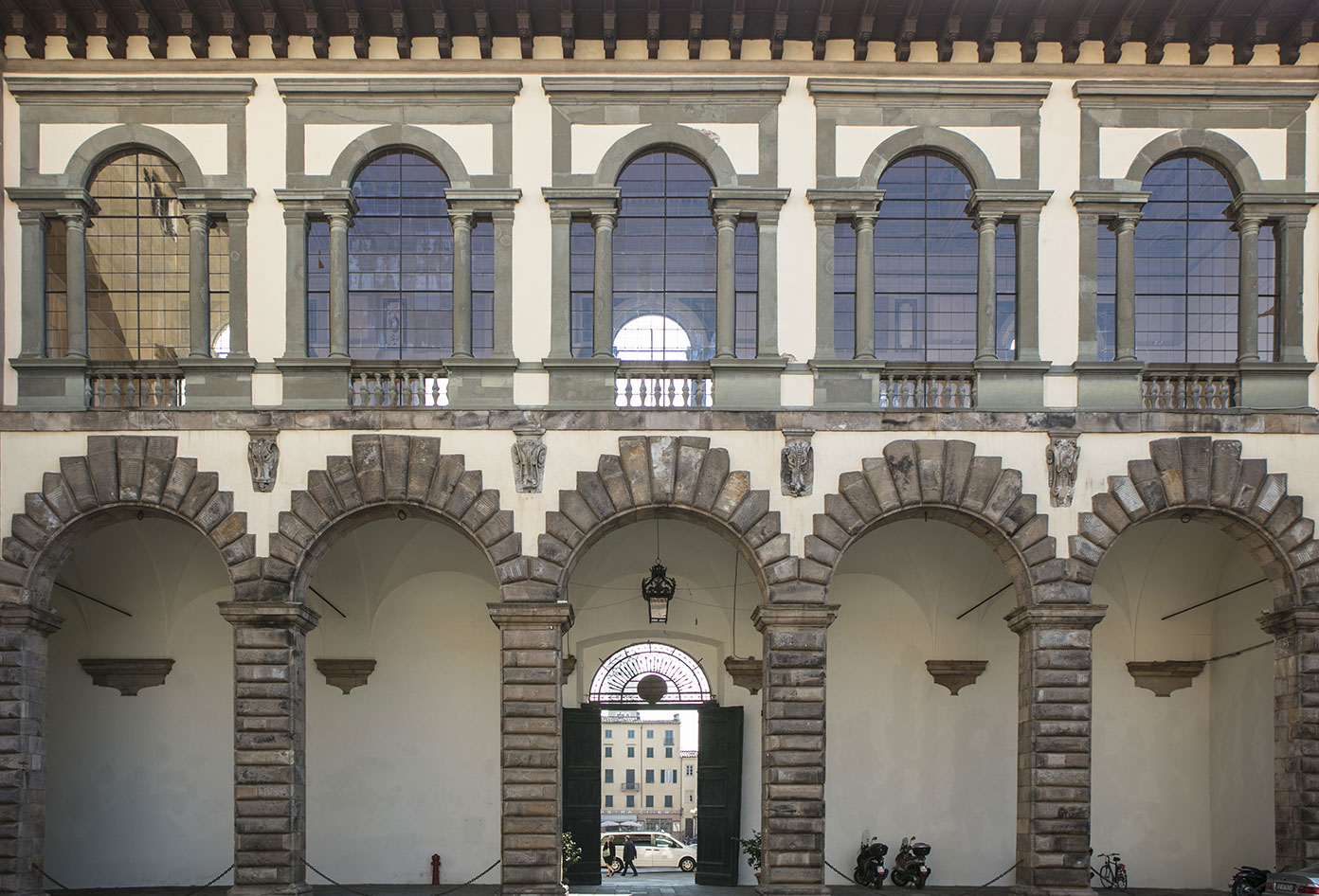 Ammannati Loggia's facade viewed from Cortile degli Svizzeri