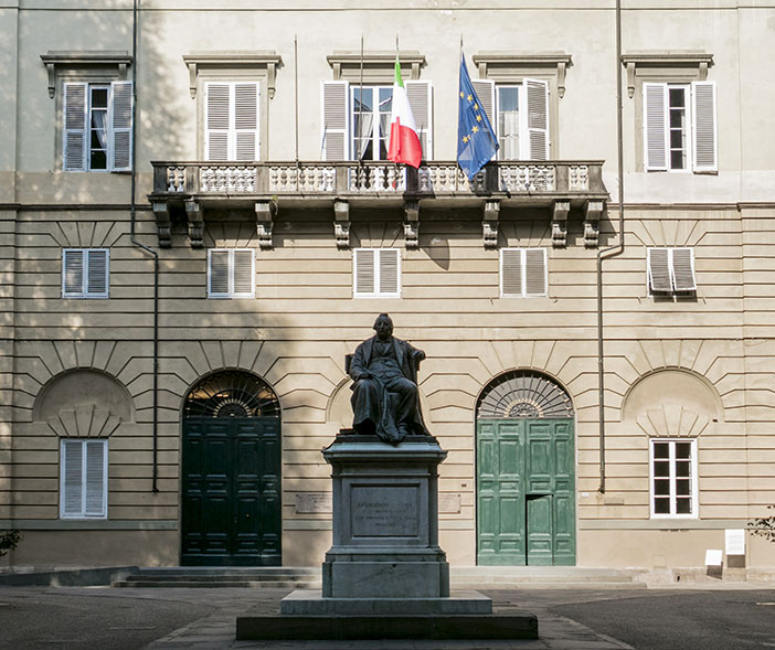 The facade of the Nottolini's Palazzina with the architect statue in the center of the courtyard